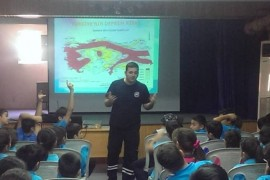 """Afetlere Hazırlık Günü'nde """"Depremle Yaşam Eğitimi"""" gerçekleştirildi"""